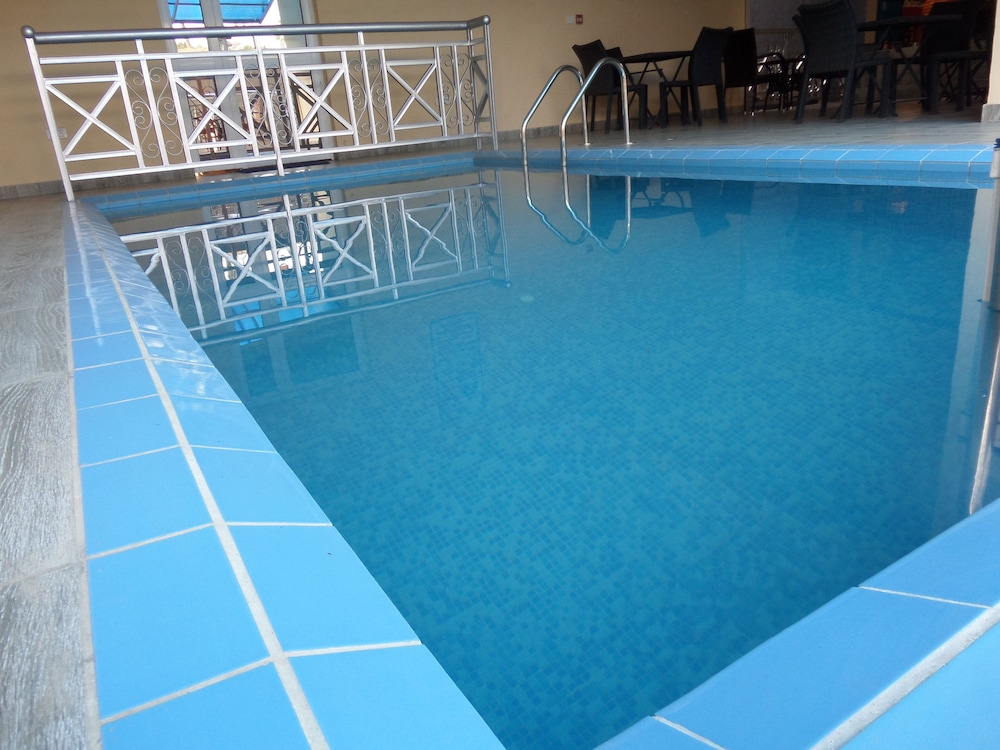 Indoor Pool, Providence Hotel and Suites