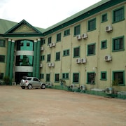 Prowess Hotel and Suites