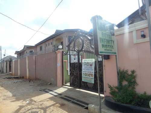 Hotels near Synagogue Church Of all Nations, Lagos: Find