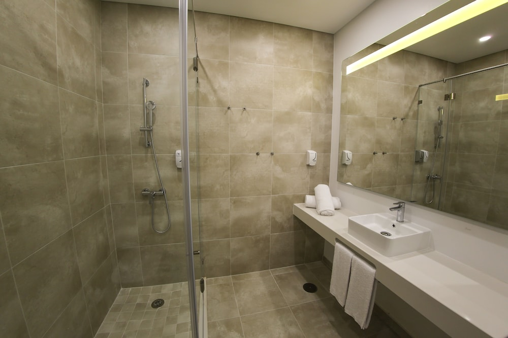 Bathroom, RIDE Surf Resort & SPA