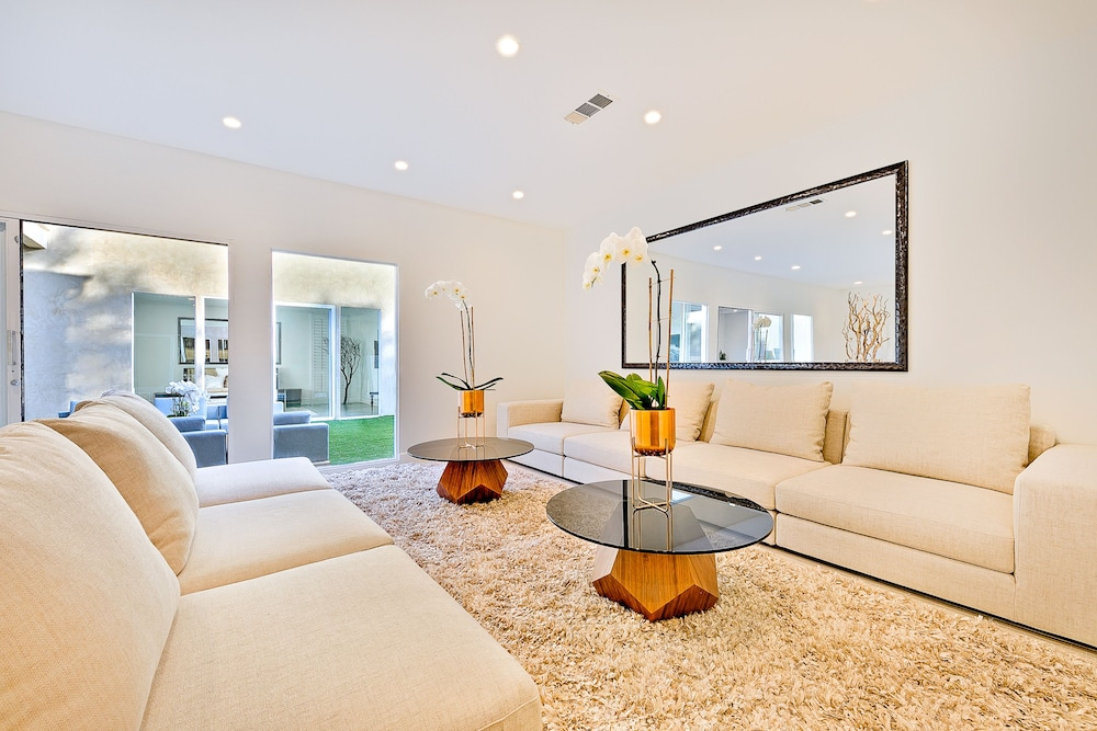 Living Area, Beverly Hills Luxury Modern Palace