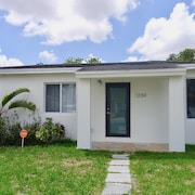 New! Fully Furnished 2 Bedroom Vacation Home in Miami, FL. PET Friendly!