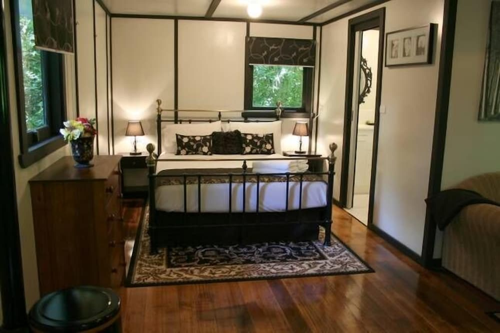 Etna Cottage - Lovely, Private, Corner spa Bath: 2018 Room Prices ...