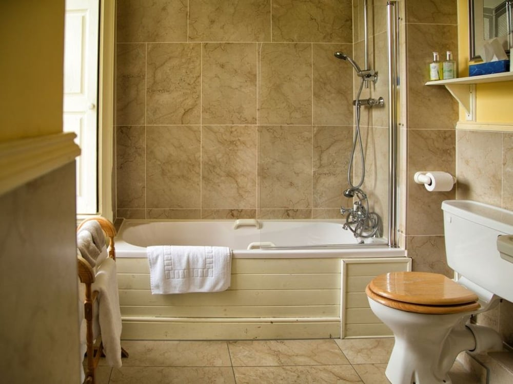 Bathroom, Roundwood House