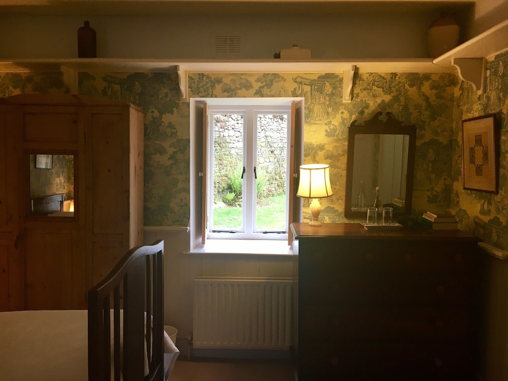 Room, Roundwood House