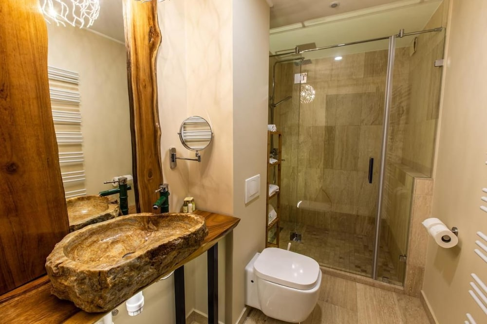 Bathroom, The One Hotel