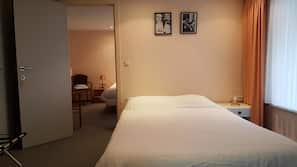 2 bedrooms, free cots/infant beds, free WiFi, bed sheets