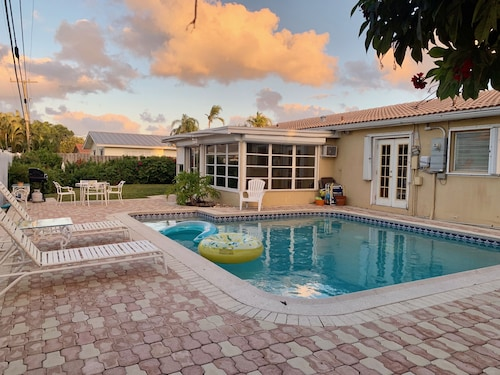 Fort Lauderdale Pool - Min. to the Beach; Exclusive Neighborhood!