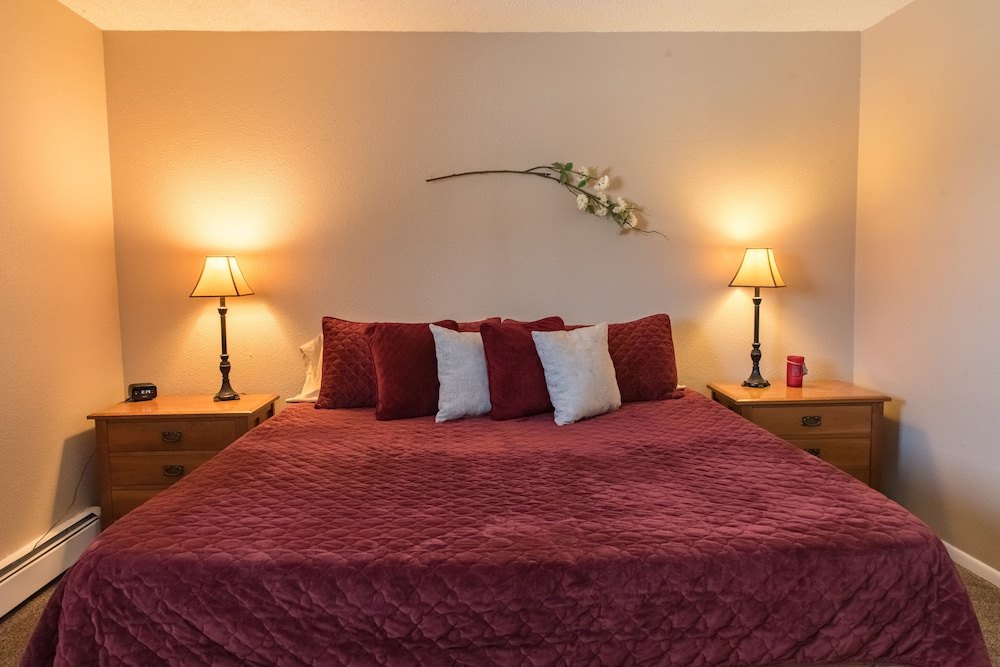 Mountain Song in Colorado Springs | Hotel Rates & Reviews on ...