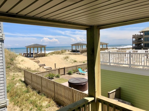 Great Place to stay The Dancing Dolphin - Oceanfront Retreat near Kill Devil Hills