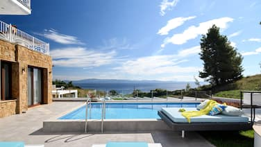 Villa D'Oro - Luxury Villas & Suites