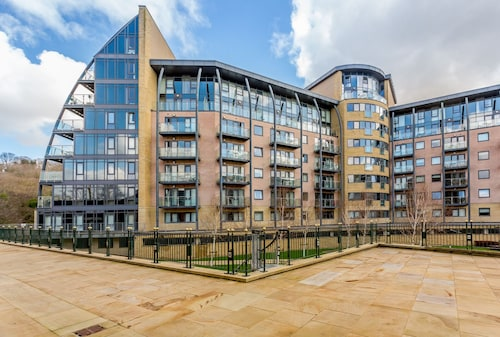 Luxury 1 Bed Apartment in Shipley