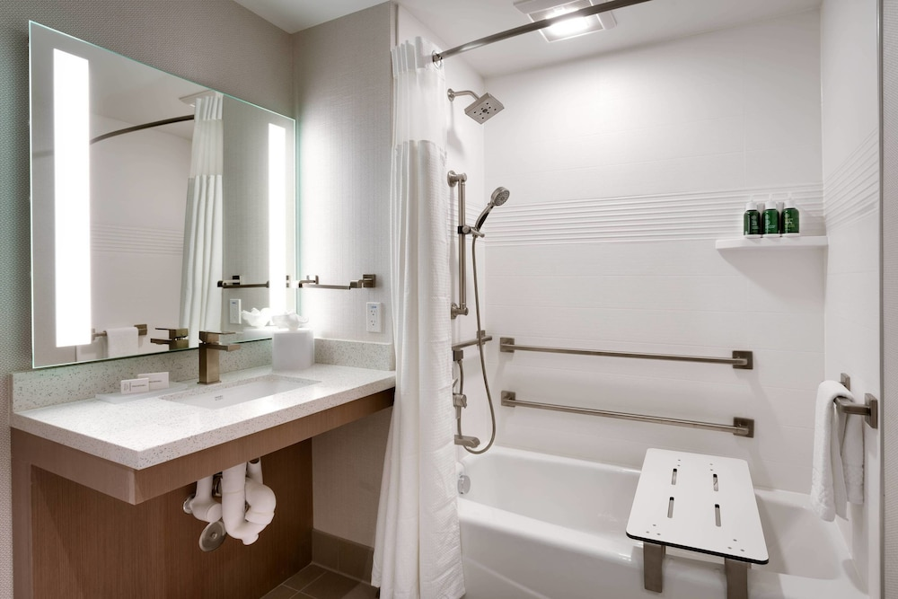 Bathroom, TownePlace Suites by Marriott Los Angeles LAX/Hawthorne
