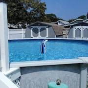Tiki Hut- Pool-dog Friendly-new A/c-fenced-internet- Booking From Oct 5 & on
