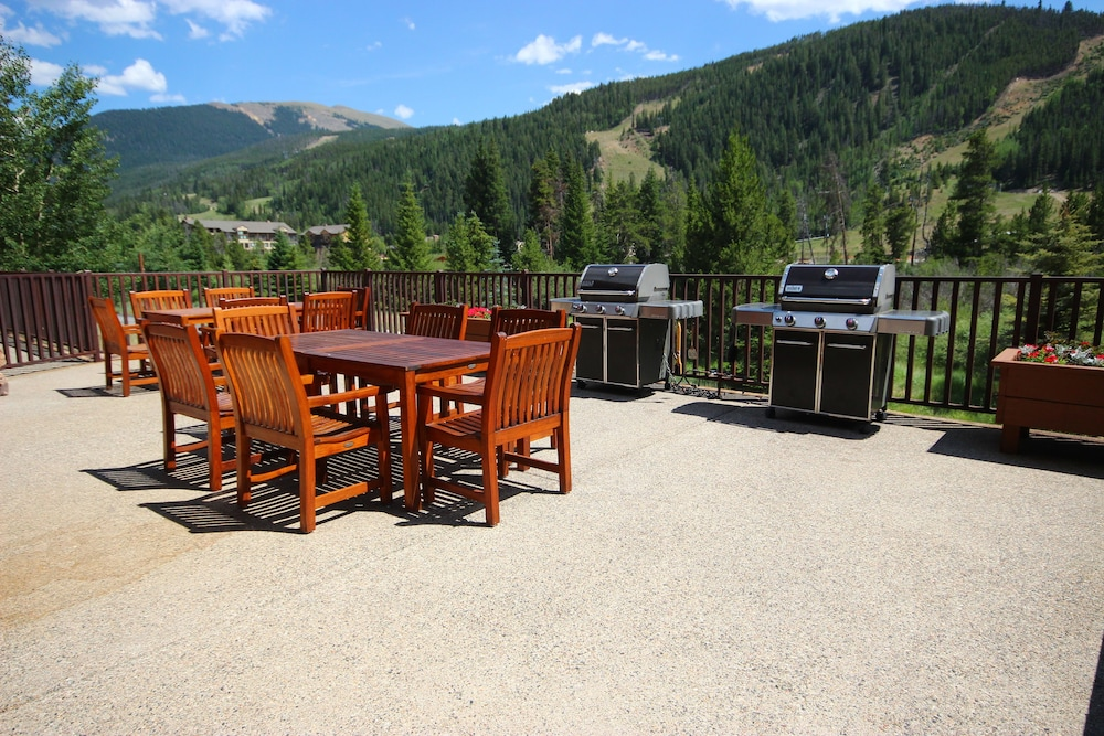 Outdoor Dining, Keystone Gulch Cabin 1668 by Summitcove Vacation Lodging