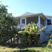 Beautiful Waterfront Rental Property w/ Dockage Within Hope Town Harbour, Abaco