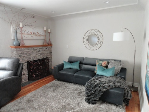Beautifully Renovated one Bedroom Park House- Leisure or Extended Business