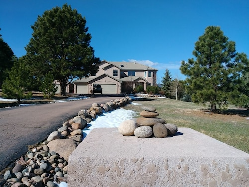 Great Place to stay NEW Listing! Quiet Home in Monument on 2 1/2 Acres 15min to Air Force Academy near Monument