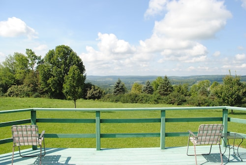Check Expedia for Availability of Longview Cottage With Views to Compliment its Name and Close to Cooperstown