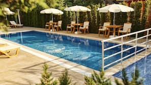 Seasonal outdoor pool, open 9:00 AM to 6:00 PM, free cabanas