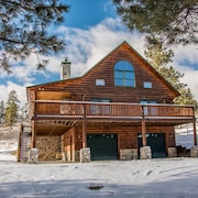 Enjoy Peace & Wildlife- Stunning Log Home w/ Mountain Views! Booking For Fall