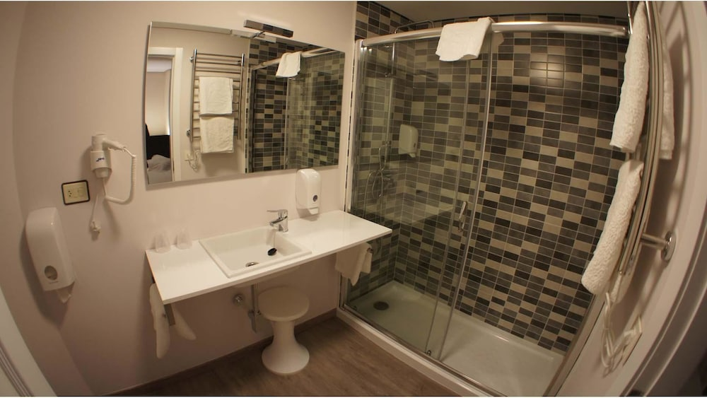 Bathroom, Hotel Mogay