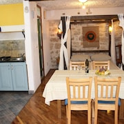 Studio in Betina, With Wonderful City View, Furnished Terrace and Wifi - 60 m From the Beach