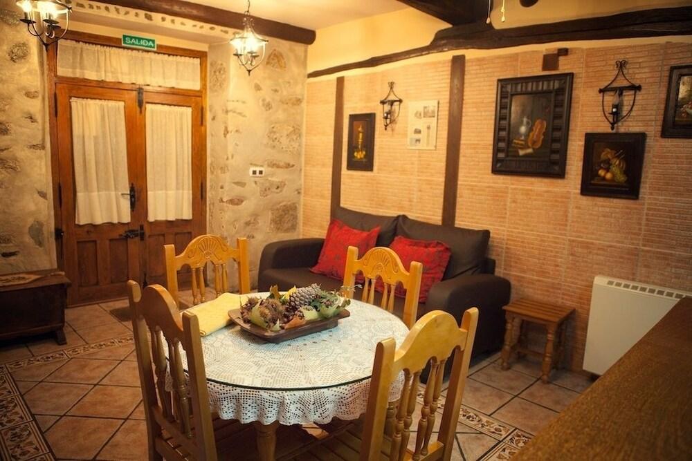 Casa rural la antigua tahona candelario reserva hotel - Candelario casa rural ...