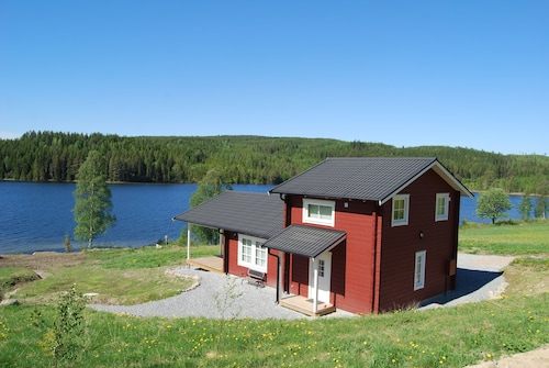 Luxury Cabin on a Lake With Sauna, Free Wi-fi and Stunning Views