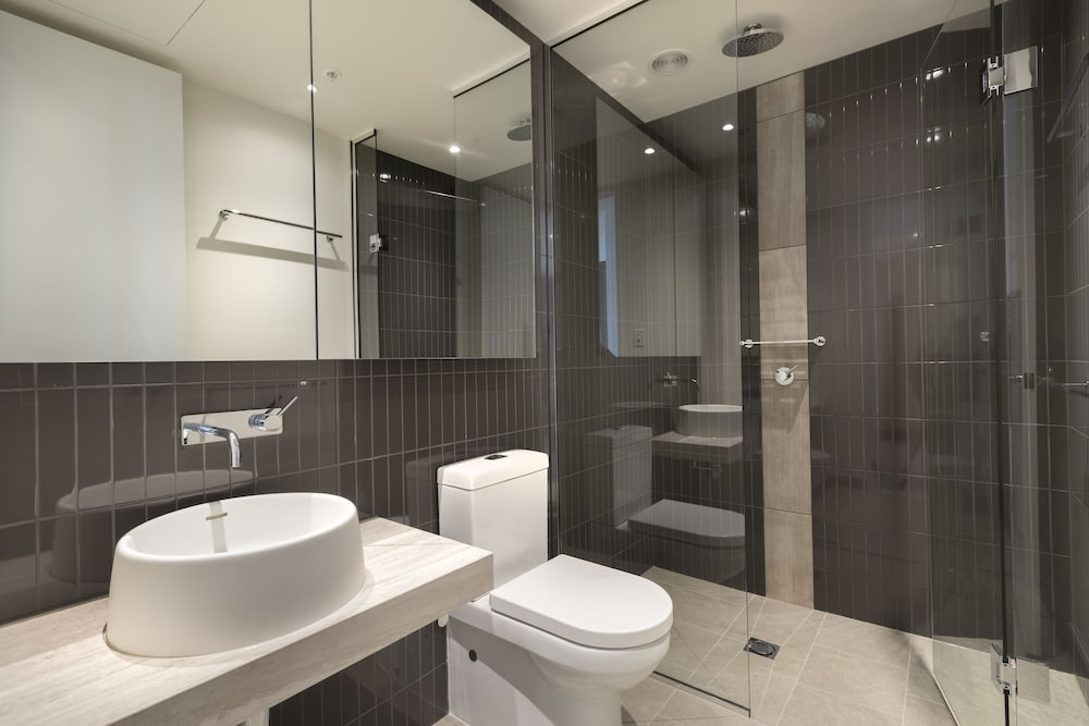 Standard Apartment 2 Bedrooms Ensuite City View Bathroom