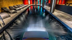 2 indoor pools, pool loungers