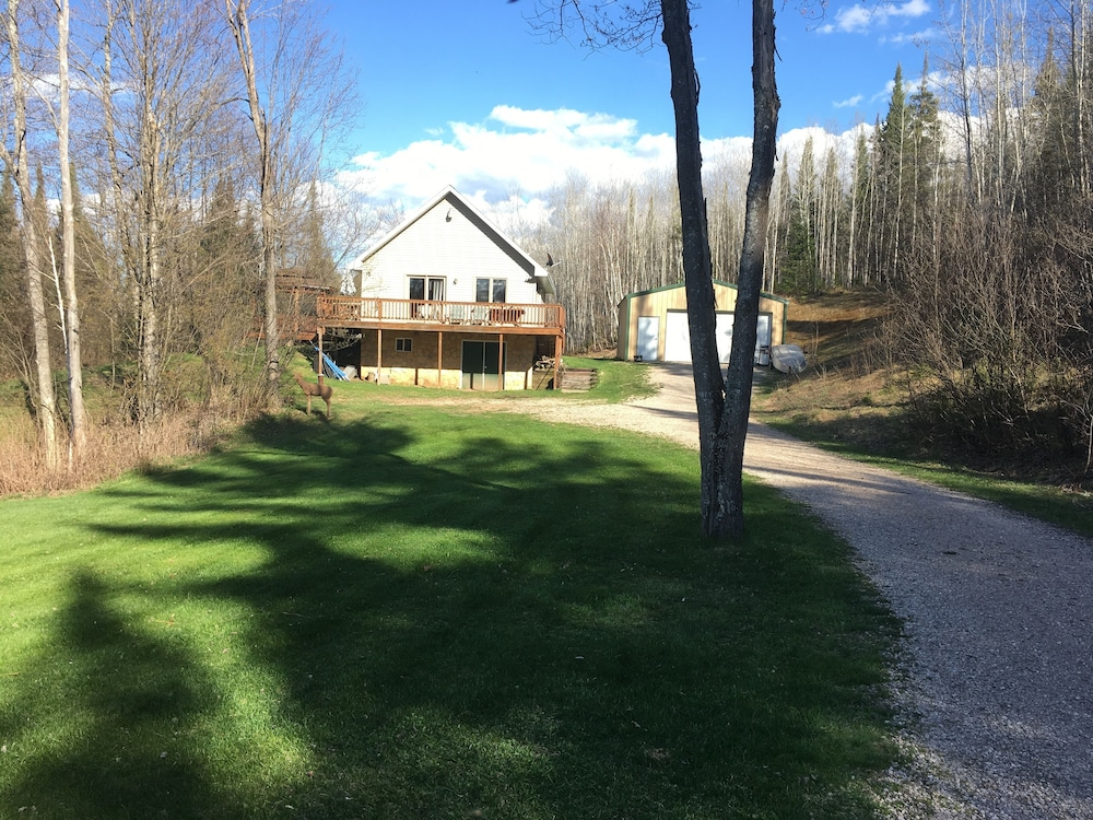 Property Grounds, All Seasons Cabin Retreat