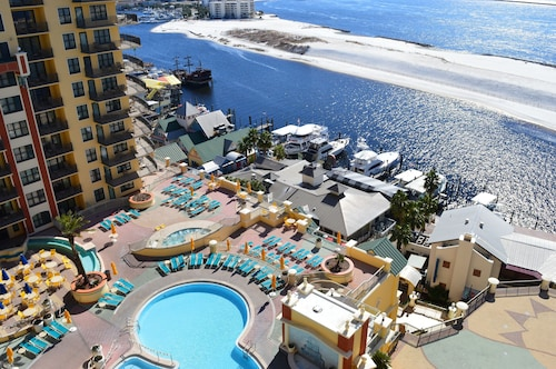 Emerald Grande 10th Flr? ?perfect View of the Gulf, Harbor, & Pool?