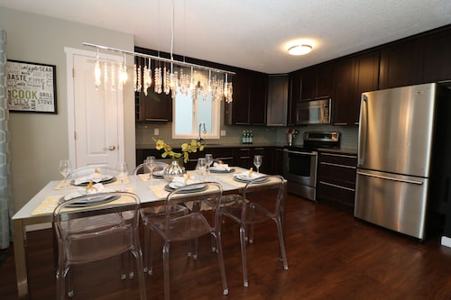 Sheer Perfection By Quarry Park Sleeps 8!