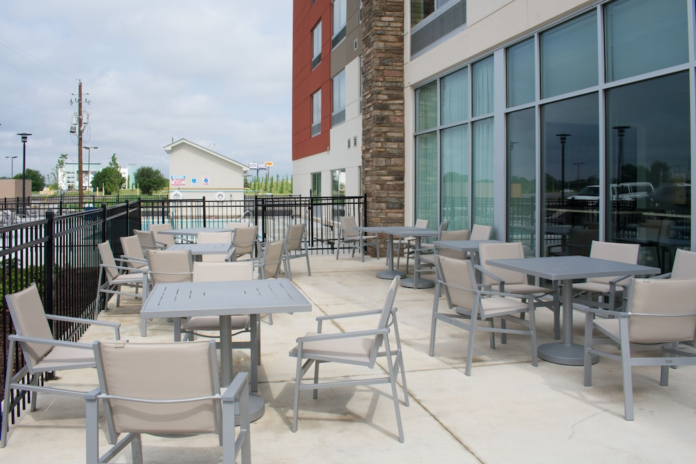 Balcony, Holiday Inn Express and Suites West Memphis, an IHG Hotel