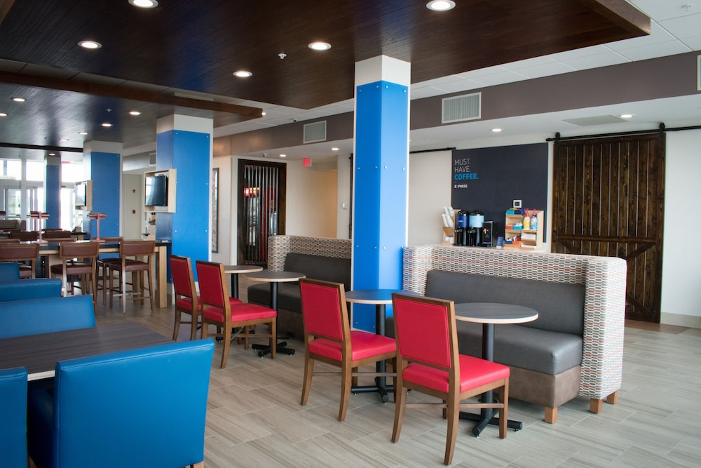Restaurant, Holiday Inn Express and Suites West Memphis, an IHG Hotel