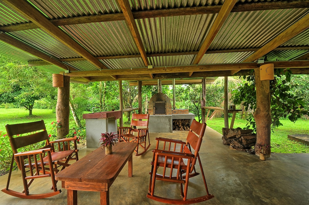 Finca Amistad Cacao Lodge: 2019 Room Prices $63, Deals