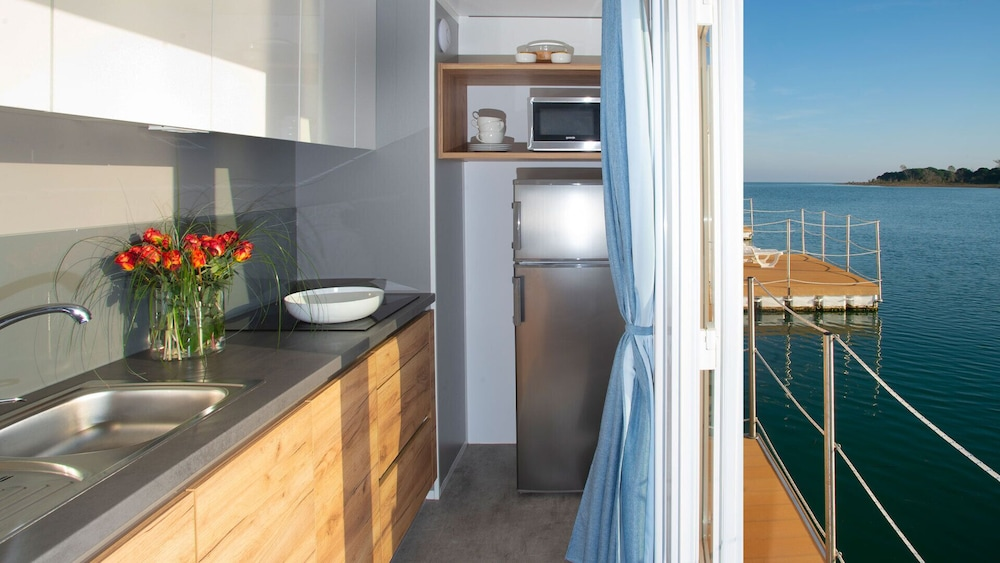 Private Kitchenette, Floating Resort