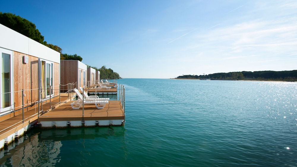 Featured Image, Floating Resort