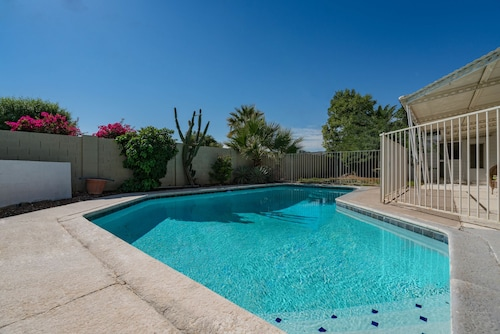 Great Place to stay Soak In Oak Sleeps 14 Best Location near Scottsdale