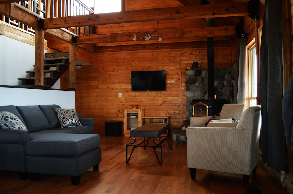 Living Room, Meadow Lake Guest Ranch