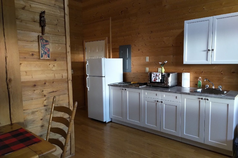 Private Kitchen, Meadow Lake Guest Ranch