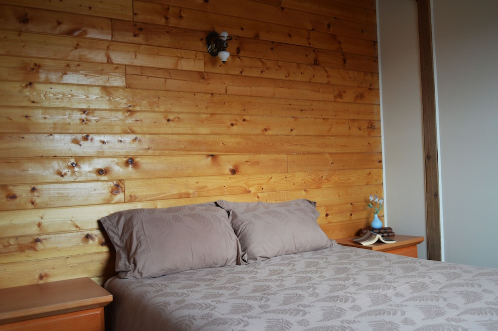 Room, Meadow Lake Guest Ranch