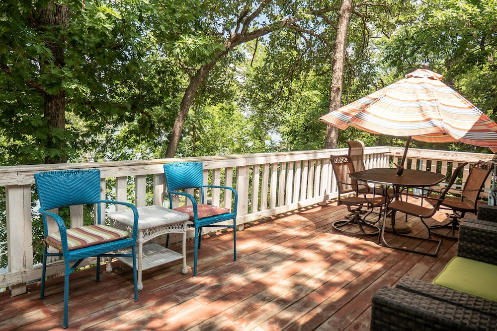 Terrace/Patio, Lake Front Charming Chalet, Swim, Boat, Relax, Canoe, Kayak, Fire Pit