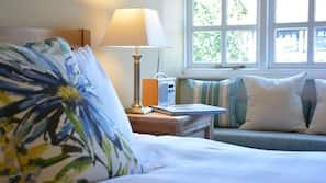 Egyptian cotton sheets, premium bedding, pillow top beds, free WiFi