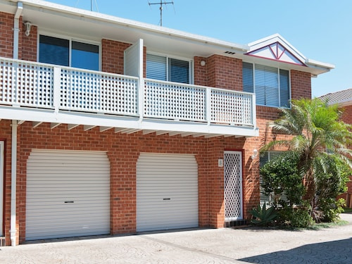 Reef Close, Townhouse 3, 7