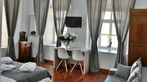 Minibar, desk, iron/ironing board, free WiFi