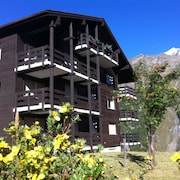 Saas Fee - Spacious Chalet Apartment With Outstanding Views and Quiet Location