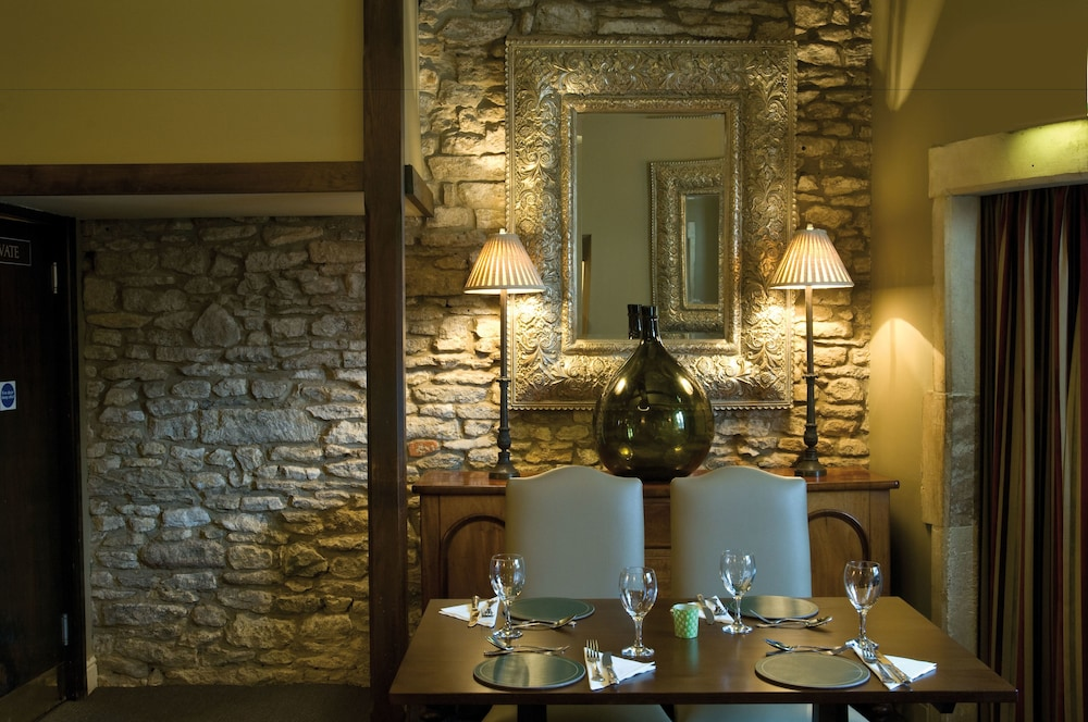 Restaurant, The Castle Inn