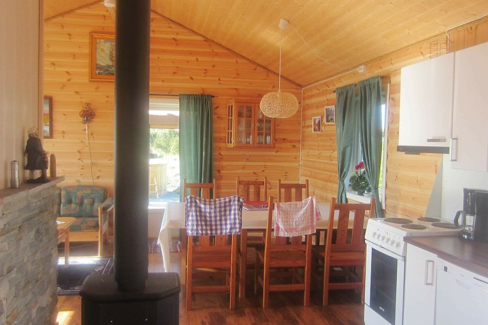 Private Kitchen, 4 Star Holiday Home in Storfosna